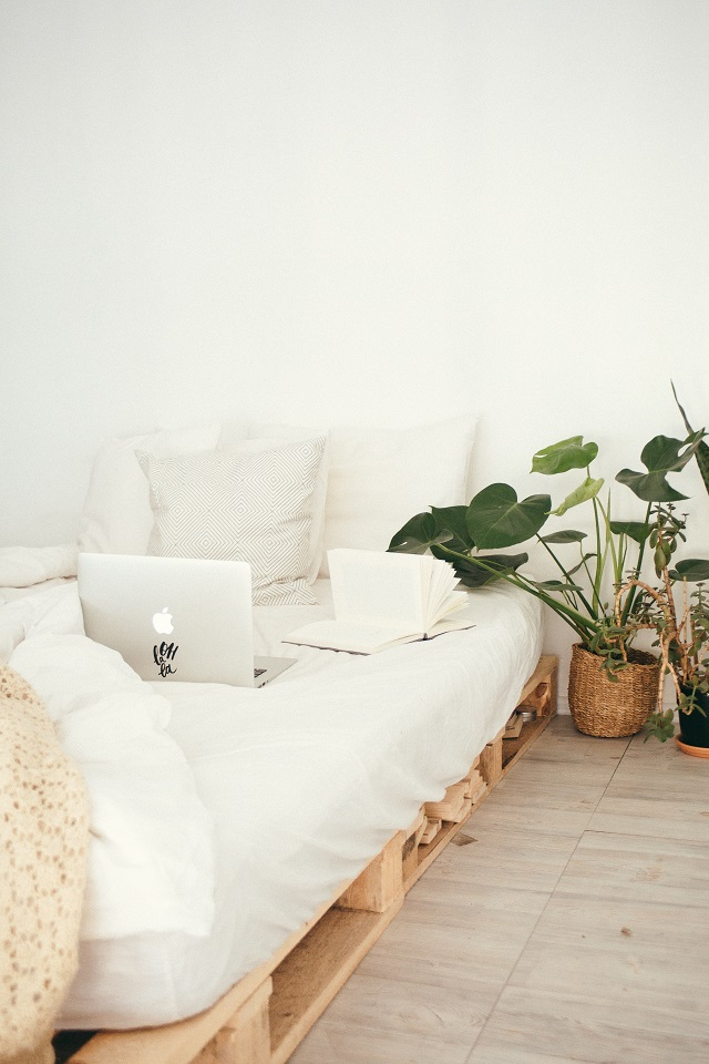 Kuormalavoista saa sommiteltua vaikka sohvan